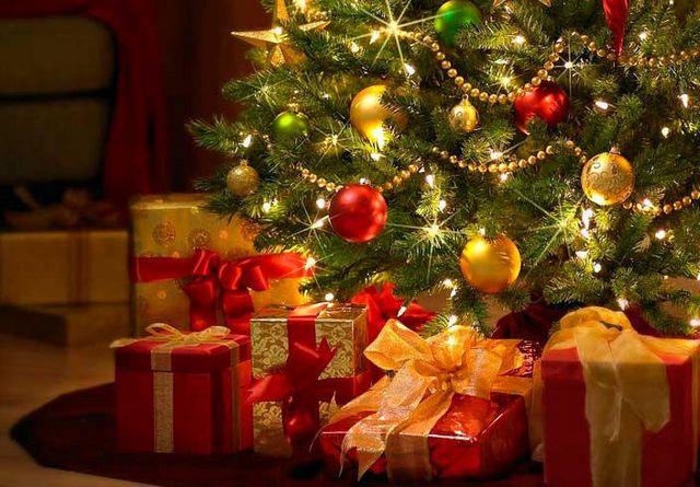 Каждому покупателю Подарок