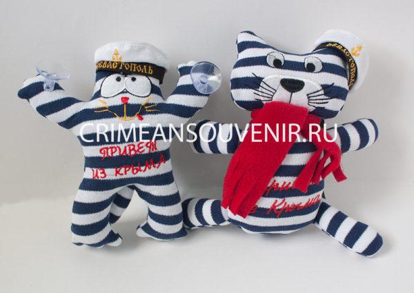 Полосатые коты в тельняшках и бескозырках Севастополь Привет из Крыма