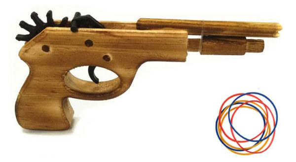 Игрушка-пистолет из дерева - резинкострел