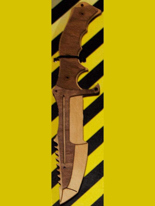 нож дерево